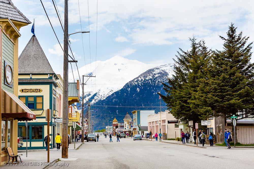 Broadway Street in Skagway with a view of the surrounding mountains